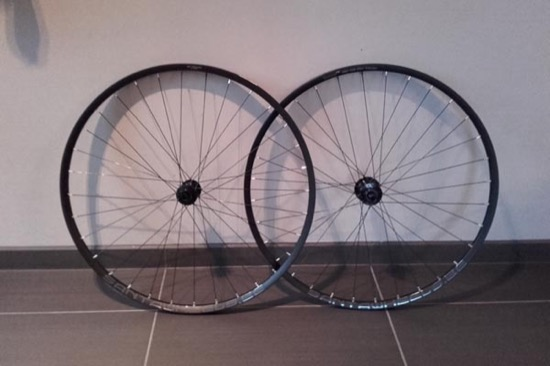 Roues Cyclo-cross BOR XMD 309 tubular, Hope RS4 CL, rayons DT Revo